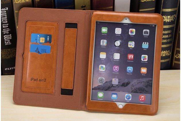 Фирменный премиальный чехол-обложка  с подставкой для iPad Pro 12.9 из натуральной кожи коричневый с фирменным логотипом